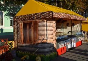 Палатки с двускатной крышей